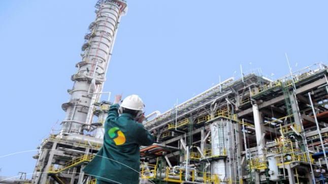 غلينكور وكارلايكل يسعيان للإستحواذ على مصفاة النفط الوحيدة في المغرب
