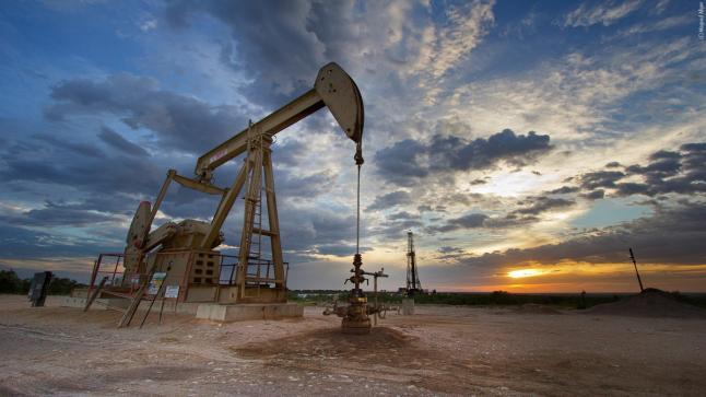 اسيا تلجأ الى النفط الامريكي بعد تمديد اوبك لتخفيض الانتاج