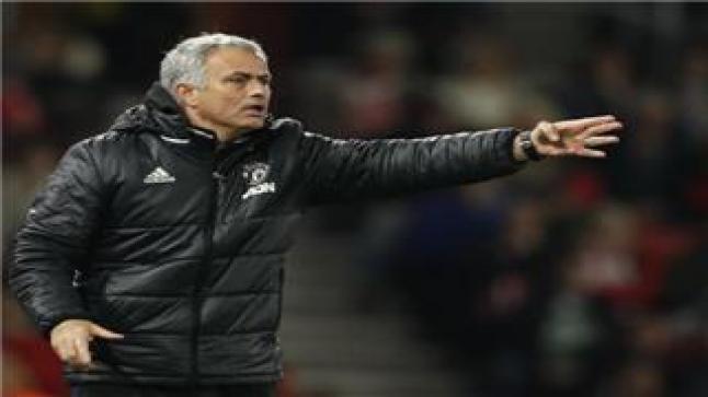 مورينيو يهاجم أياكس ومنتقد تواجده ضمن الدوري الأوروبي