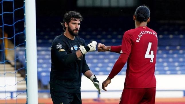 ليفربول يستقبل كريستال بالاس اليوم في قلعة الأنفيلد .. تعرف على موعد المباراة والقنوات الناقلة