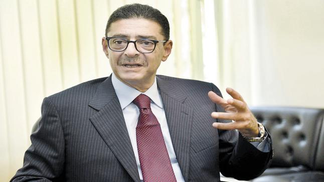 محمود طاهر يتصل باللواء شمس للإطمئنان على تحضيرات الأهلي لمباراة زاناكو