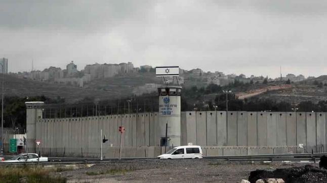 جيش الاحتلال الإسرائيلي يكشف عن عزمه المضي قدما في بناء جدار عازل حول غزة