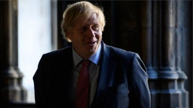 بريطانيا تحذر رجال السياسة من كورونا