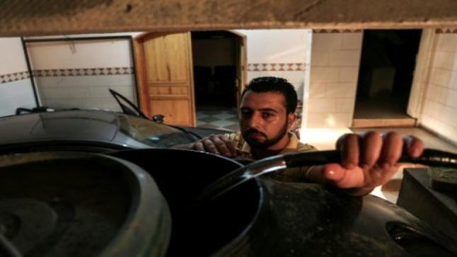 وفد يضم قادة حماس وفصائل فلسطينية وتيار دحلان يتوجه إلى القاهرة لبحث رفع الحصار عن غزة