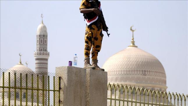 """الحوثيون يغلقون مكبرات أصوات المساجد في صلاة التراويح ويأمرون بالدعاء على """"تحالف الشر"""""""