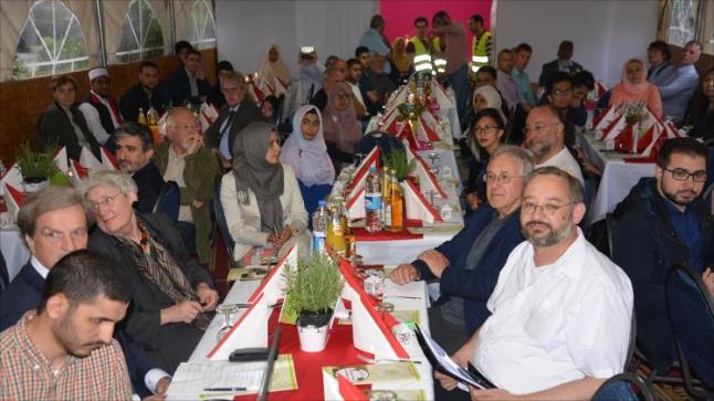 مسجد في العاصمة الألمانية برلين يقيم حفل للإفطار بمشاركة مسيحيون ويهود