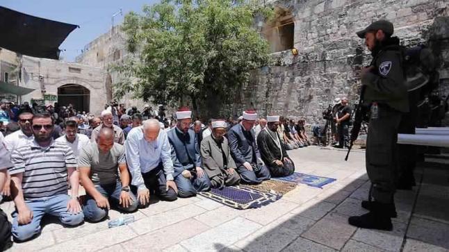حراس الأقصى يصرون على فتح باب حطة قبل إعادة فتح المسجد الأقصى بشكل كامل