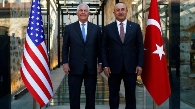 تيلرسون يجري عدد من اللقاءات في تركيا لتهدئة الأجواء بين بلاده وأنقرة
