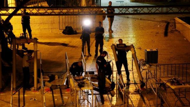 القدس تشهد مجددا مواجهات بين الفلسطينيين وجنود الاحتلال رفضا للانتهاكات الإسرائيلية بحق الأقصى