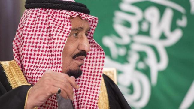 العاهل السعودي يلتقي أمين مجلس التعاون الخليجي وسط الأزمة القطرية السعودية الإماراتية