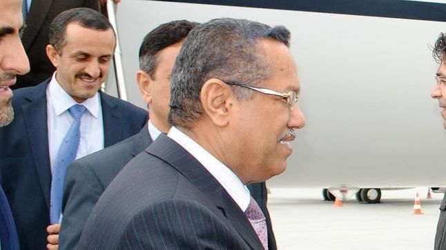 رئيس الحكومة اليمنية يؤكد في ذكرى الاحتفال بتحرير عدن على وحدة الأراضي اليمنية