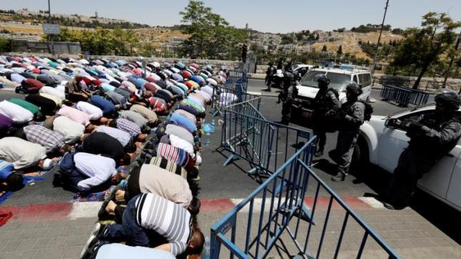 السلطات الإسرائيلية تقرر غلق المسجد الأقصى حتى الأحد المقبل وسط إجراءات مشددة