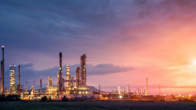 اتفاع باسعار النفط قبل اجتماع منظمة الدول المصدر للنفظ وعدد من رجال الاعمال