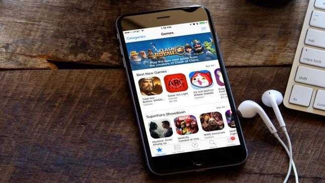 اتهام شركة آبل بمخالفة قواعد قانون الاحتكار عبر متجرها iTunes App Store