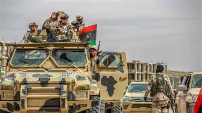 العربية وصول طائرة تركية بها 134 مقاتل سوري الي ليبيا