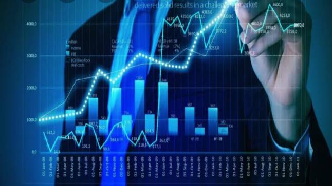 خبراء الاقتصاد يحللون قرار البنك المركزى لوضع الحد من سحب الاموال من البنوك