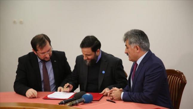 مؤسسة قطرية تمول تركيا لطباعة 4 ملايين كتاب مدرسي للسوريين